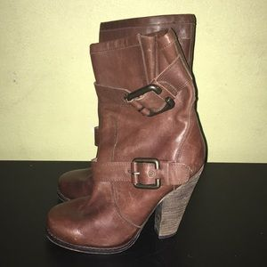 ALDO Boots leather size 5.5 Good Condition.